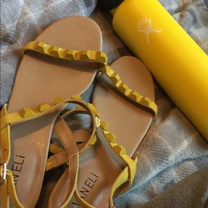 Vaneli yellow sandals